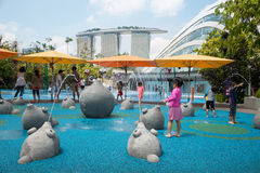 儿童游戏在玩耍区域在新加坡 库存图片