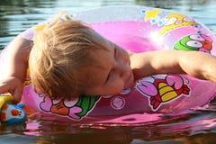 儿童游泳 图库摄影