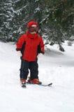 儿童滑雪垂直 免版税库存图片
