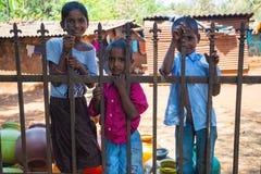 儿童特写镜头,在农村villag的乡下人` s每日生活方式 免版税库存图片