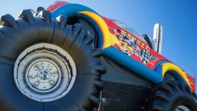 儿童的可膨胀的巨型卡车 免版税图库摄影