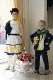 儿童的方式 在衣裳的儿童时装模特 免版税库存图片