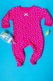 儿童的衣物婴孩的睡衣睡眠者 免版税库存图片