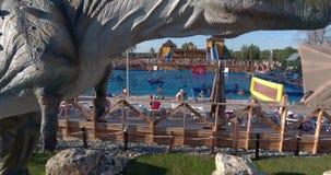 儿童的Yurkyn恐龙公园空中照片在基洛夫俄罗斯 股票视频