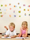 儿童蜡笔幼稚园 免版税库存照片