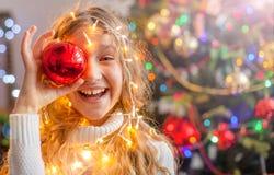 儿童装饰圣诞树 库存图片
