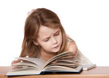 儿童读取 免版税图库摄影