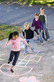 儿童跳房子使用 库存照片