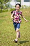 儿童运行中 免版税库存照片