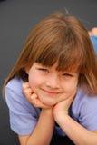 儿童逗人喜爱的女孩一点 免版税库存照片