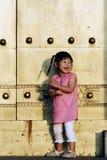 儿童门前面 免版税库存照片