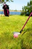 儿童高尔夫用品 免版税库存图片