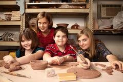 儿童黏土工作室 免版税库存照片