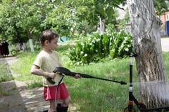 儿童洗涤物反撞力滑行车 库存照片