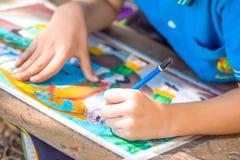 儿童画的手 库存图片