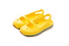 儿童黄色鞋子 库存照片