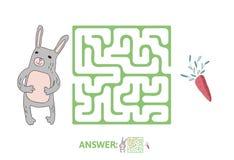 儿童` s迷宫用兔子和红萝卜 困惑孩子的比赛,传染媒介迷宫例证 免版税库存图片