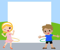 儿童playig hula和框架 免版税库存图片