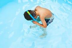 儿童snorkeler 库存照片