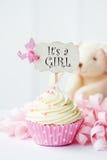 婴儿送礼会杯形蛋糕 库存图片