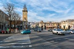 充分中央街道运输在贝加莫镇,意大利 图库摄影