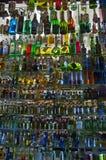 充分冰箱的Colorfull特写镜头饮料 图库摄影