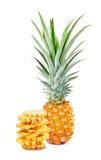 充分和堆积被切的成熟菠萝 免版税库存照片