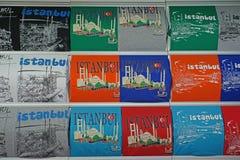 充分商店五颜六色的毛线衣在伊斯坦布尔盛大义卖市场 图库摄影