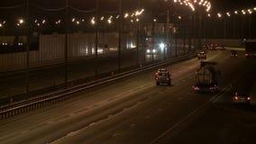 充分城市高速公路在平衡的录影的汽车 影视素材