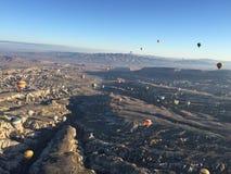 充分天空五颜六色的热的气球 免版税库存图片