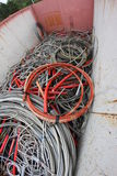 充分容器再造废物的电缆 免版税库存照片