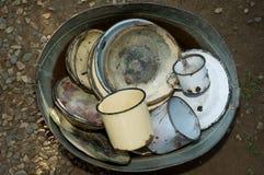 充分桶老被佩带的厨房商品 免版税库存图片