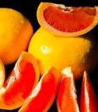 充分水多的果子柚,健康和自然快餐维生素 免版税库存照片