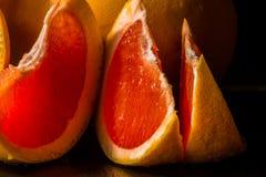 充分水多的果子柚,健康和自然快餐维生素 免版税图库摄影