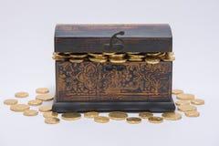 充分珍宝检查箔包装的硬币 免版税图库摄影