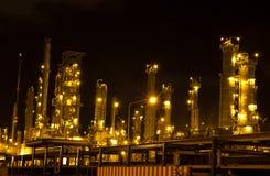 充分的油运算精炼厂 免版税库存照片