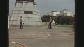 充分的王权的哨兵守卫里扎尔纪念碑的 影视素材