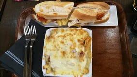 充分的膳食在餐馆 免版税库存图片