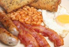 充分的英语煮熟的油煎的早餐 库存图片