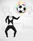 充分的身体衣服holdig足球的人 库存图片