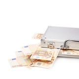 充分的货币手提箱 免版税图库摄影