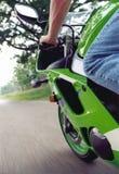 充分的sportbike节流孔 库存照片