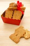 充分盘子加香料的饼干用杏仁Spekulatius 免版税库存照片