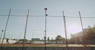 充分网球场两职业网球球员有一场比赛在好日子,外面 影视素材