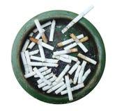 充分肮脏的烟灰缸香烟 查出在白色 免版税库存照片