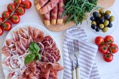 充分表地中海开胃菜 库存照片