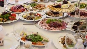 充分表食物 服务的表在餐馆 影视素材