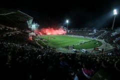 充分Toumba体育场的看法PAOK爱好者  免版税库存图片