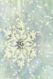 充满葡萄酒感觉的雪花装饰品 免版税库存照片