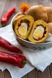 充满蛋惊奇的小圆面包 库存图片